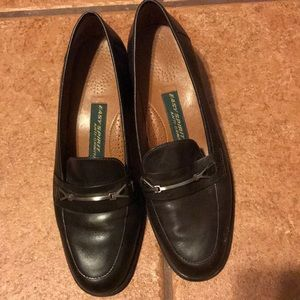 EASY SPIRIT BROWN LEATHER LOAFERS SIZE 8.5